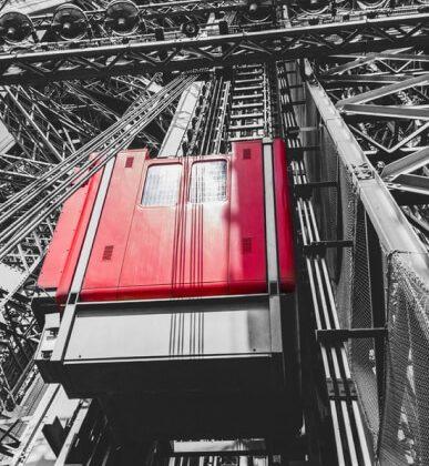 eiffel elevator