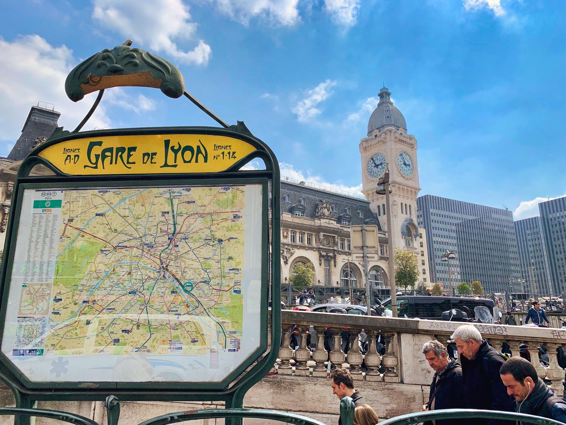 Gare de Lyon sign in Paris